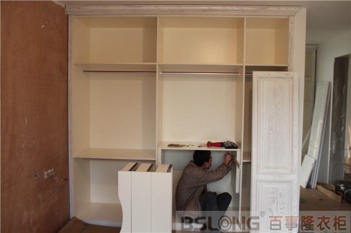 定制衣柜金地自在城3期实木安装实拍-定制衣柜成功
