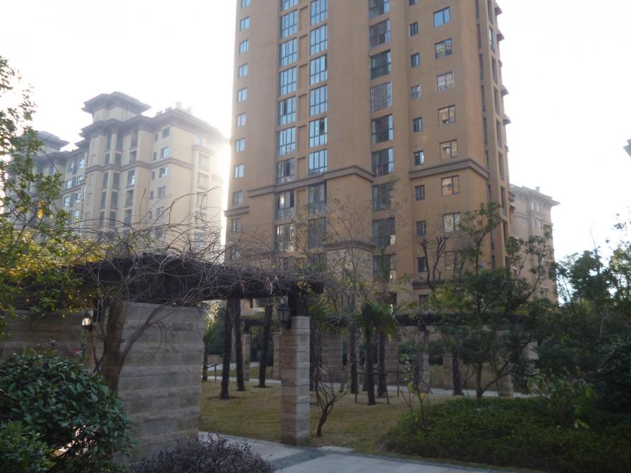 长河郡苑3室2厅2卫141平米2012年产权房精装