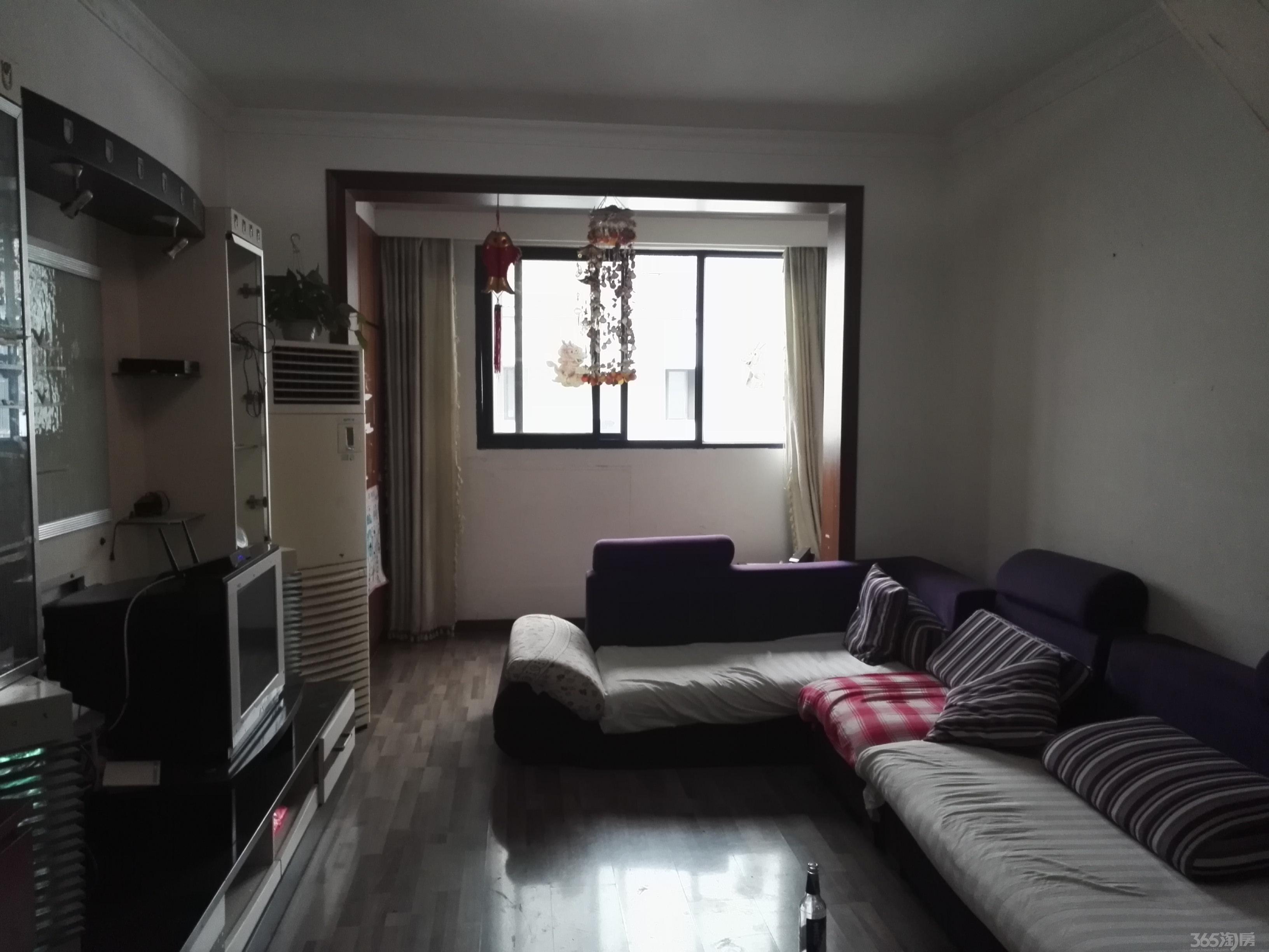 房间设计图卧室图片套房展示-地铺床房间设计图片