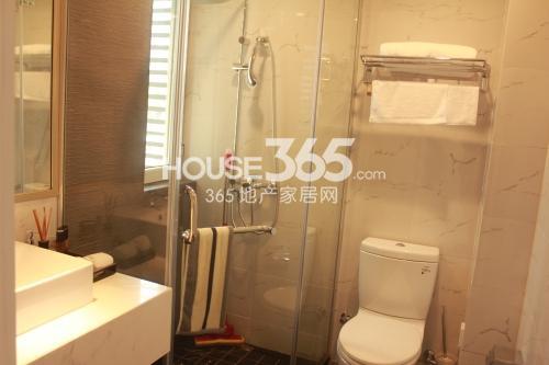 星榈湾两室两厅一卫105-111㎡样板间卫生间