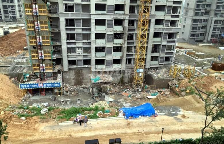 银亿东城11街区外立面成型(8.20)