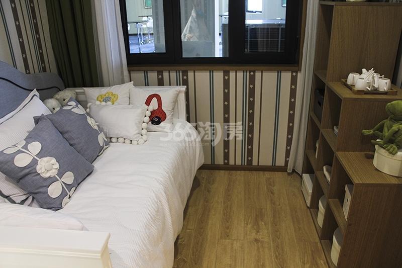 苏宁悦城三期93平样板间卧室