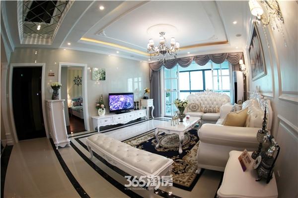 东方蓝海139平样板间客厅