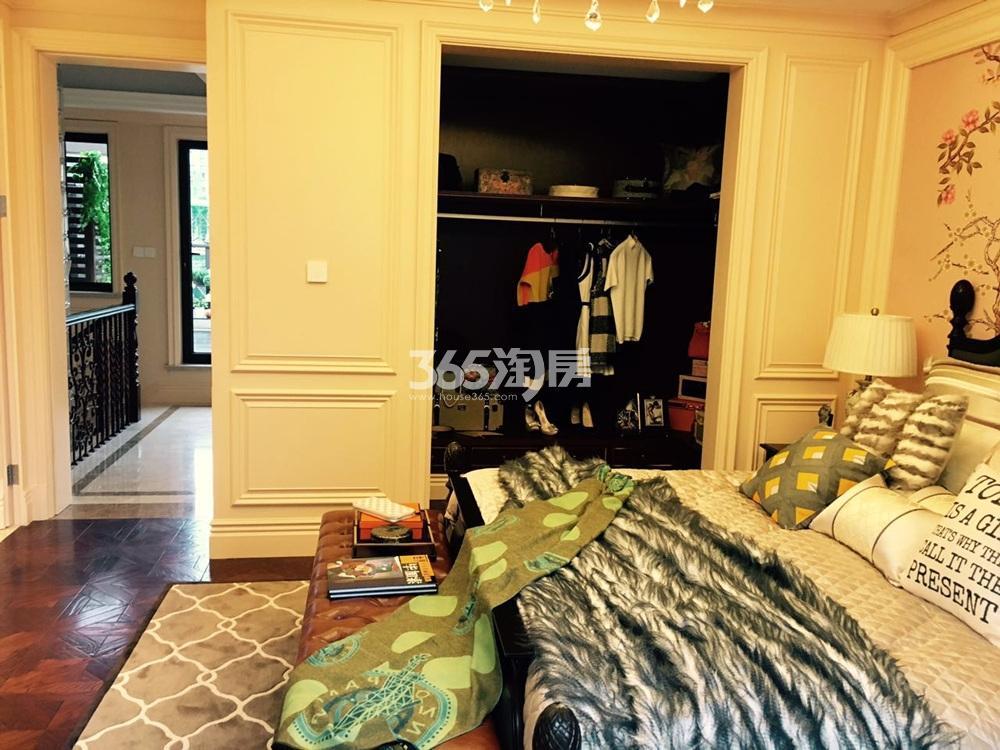 银亿东城165㎡联排别墅样板间卧室