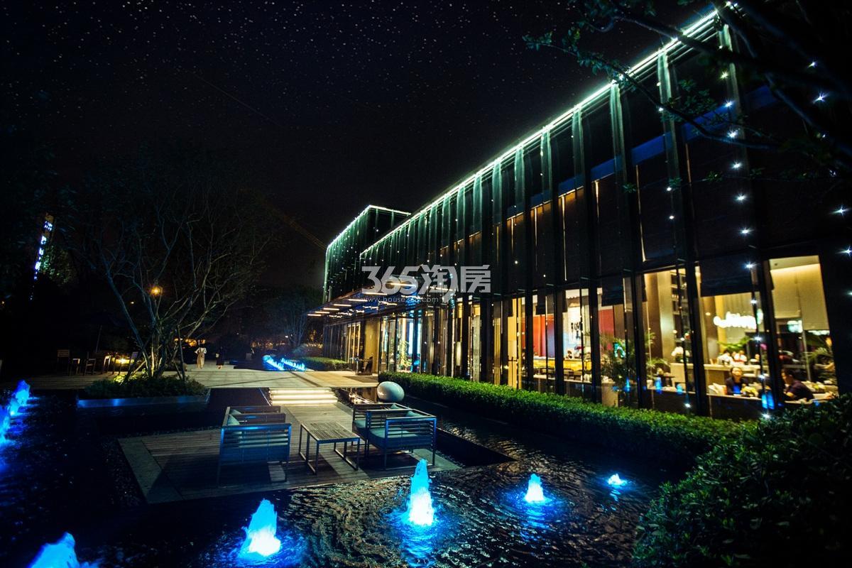 2016年12月融信澜天售楼处实景--夜景