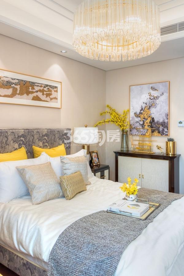 蓝光雍锦里128平高层样板间卧室