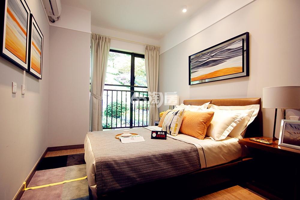 雅居乐国际花园二期89方样板房——卧室