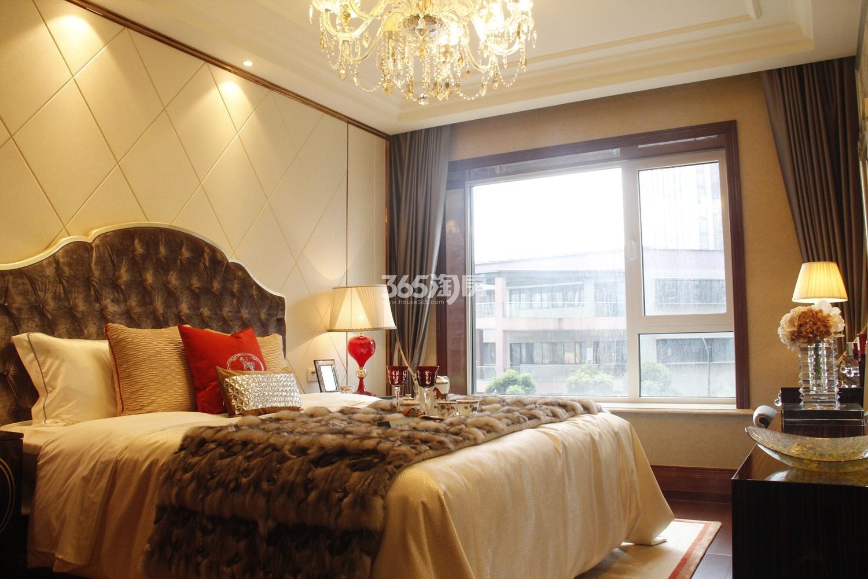 滨江保利翡翠海岸B2户型(139㎡)样板房---卧室
